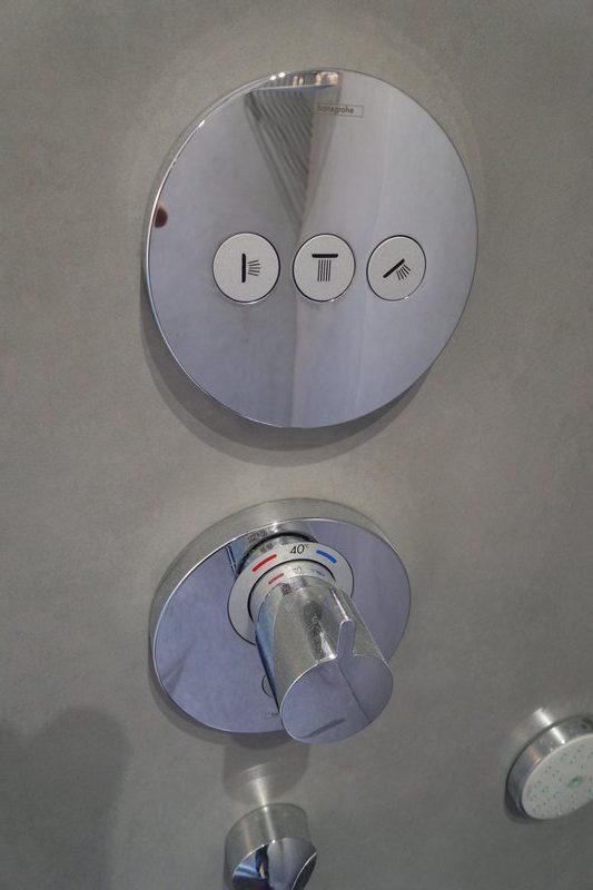 changer votre baignoire par une douche sans joint id 39 douch la douche esth tique et. Black Bedroom Furniture Sets. Home Design Ideas